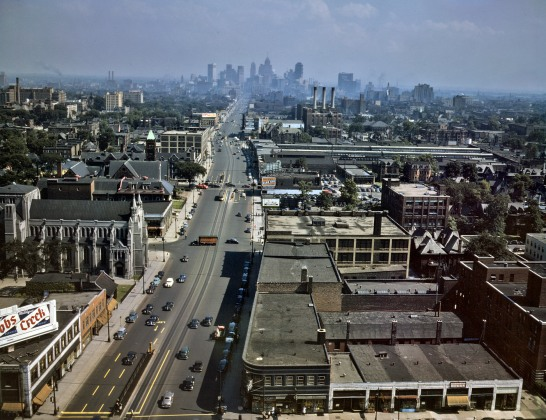 Woodward_Ave_Detroit_1942.jpg
