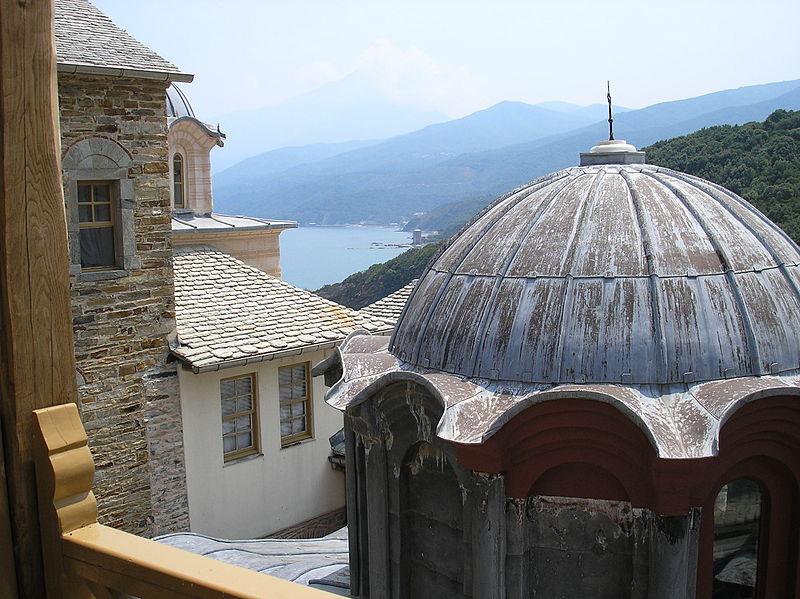 800px-Stavronikita_interior_and_Athos_peak_Aug2006